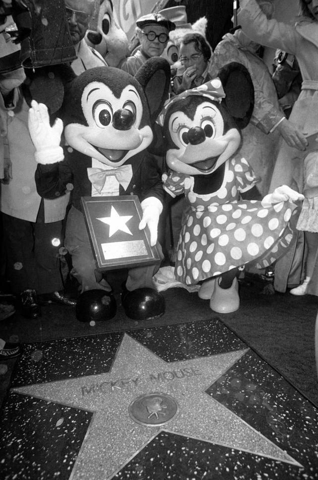 Curiosità Topolino - mickey walk of fame 1978